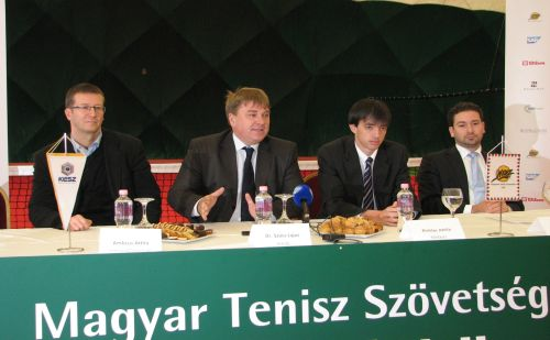 dr. Szűcs Lajos, a MTSZ elnöke a NEK átadón