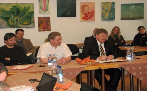 dr. Szűcs Lajos,a közgyűlés elnöke, Wentzel Ferenc közgyűlési alelnök és Szerenka Tibor, területfejlesztésért felelős tanácsnok