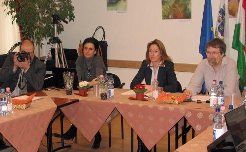 Tanácskozás Nagykovácsiban