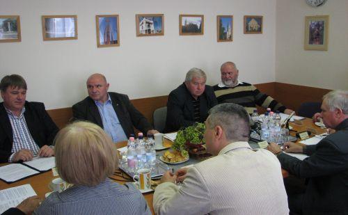 Kistérségi vezetőkkel tanácskozik dr. Szűcs Lajos Aszódon
