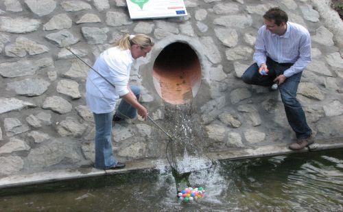 csapadékvíz-gyűjtő árok- és csatornarendszert Árpádföldön