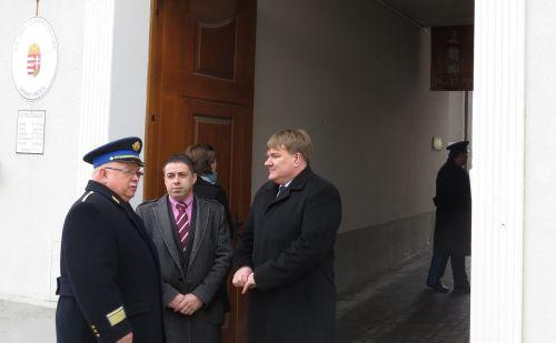 Ócsán rendőrőrsöt adtak át