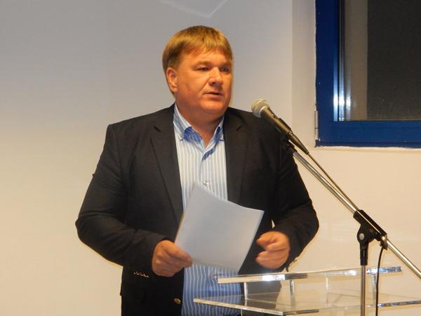 dr. Szűcs Lajos Pest megye 7. számú választókerületének elnöke, országgyűlési képviselő.