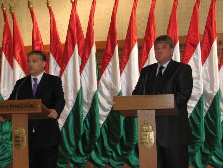 Parlamenti sajtótájékoztató - 2011.10.03.